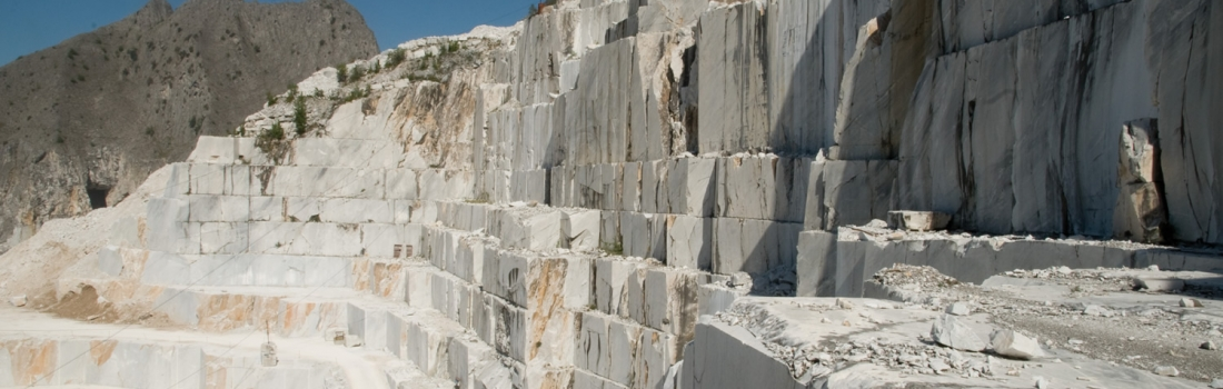 """Primo maggio, in Toscana il """"concertone"""" si tiene in una cava di marmo"""